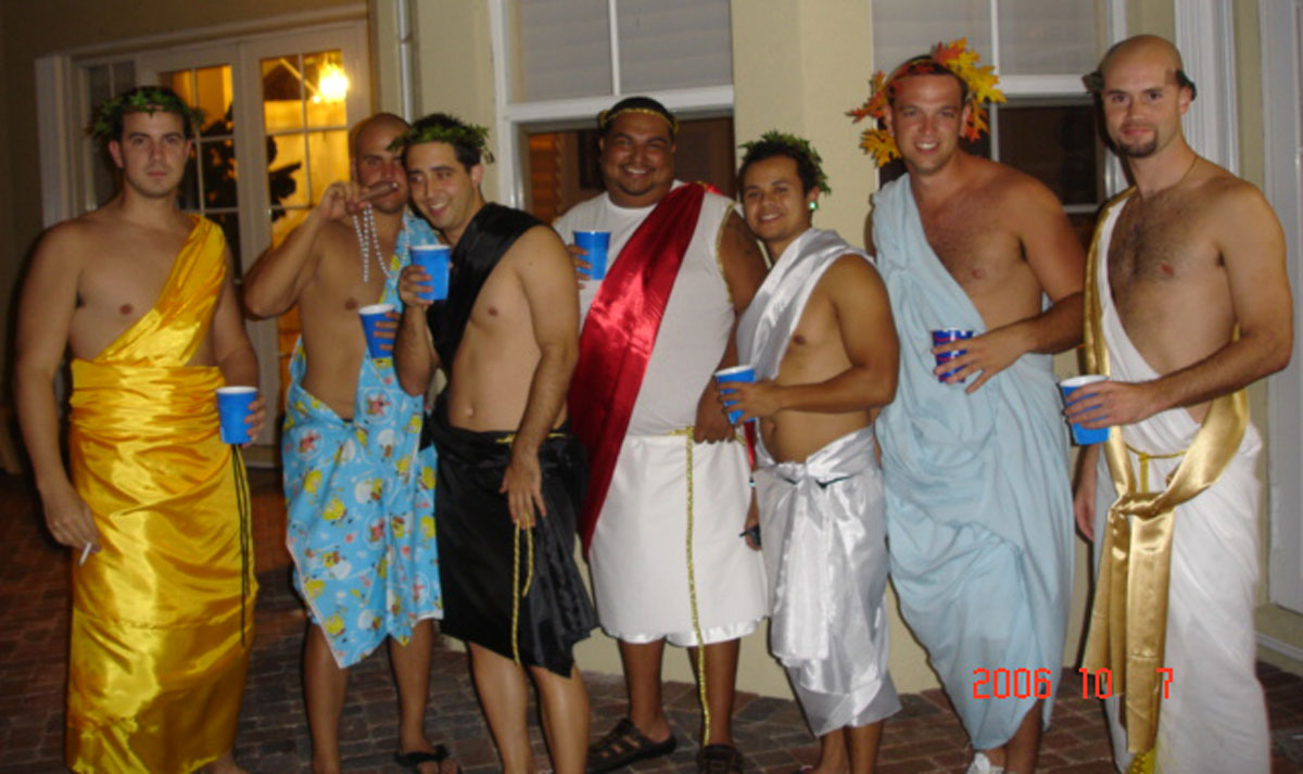 How To Make A Guy Toga How to make a t...